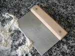 Metal tool for baking