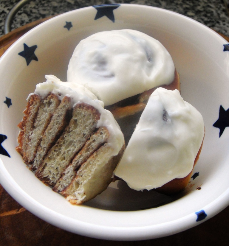 Chelsea buns and cinnamon buns (7)
