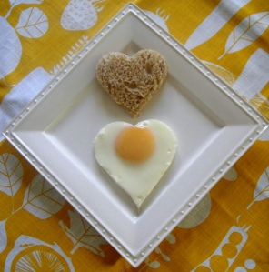 Heart-shaped fried egg