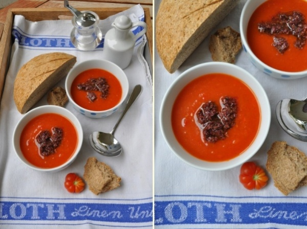 Fresh tomato and pepper soup