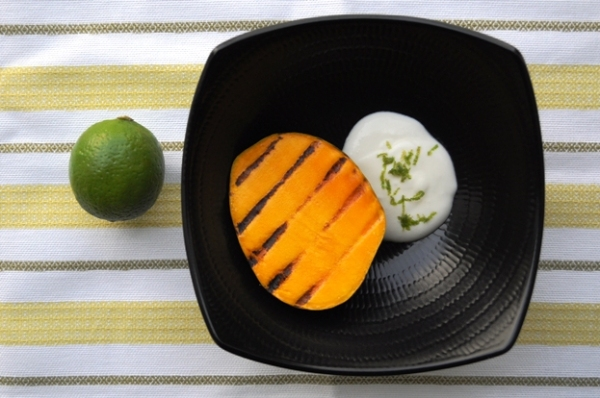 Grilled mango and margarita cream