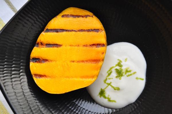 Grilled mango and margarita cream