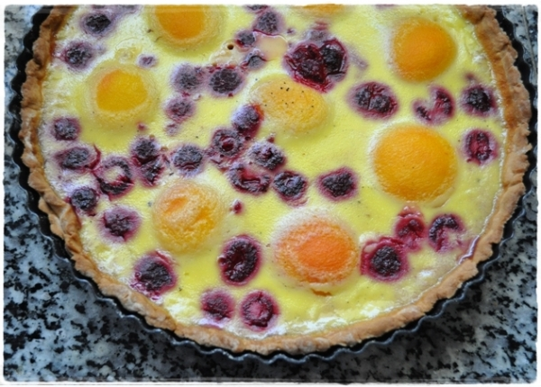 Peach melba custard tart