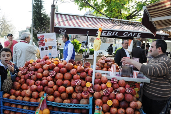Pomegranate juice stall