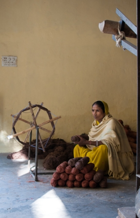 weaving in Jaipur