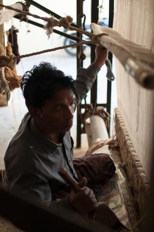 weaving in Jaipur