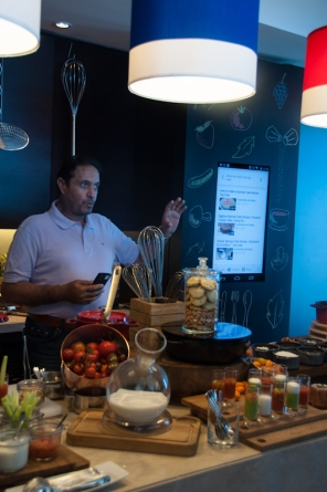 Chef Osama demonstrates how Google apps can help in the kitchen - on mycustardpie.com