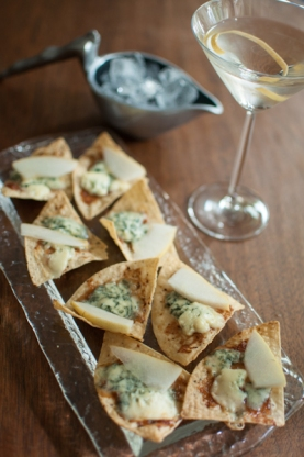 Blue cheese and pear dante chips