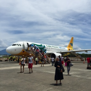 Landing in Palawan. Cebu Pacific - a low-cost airline to the Philippines - find out more on mycustardpie.com