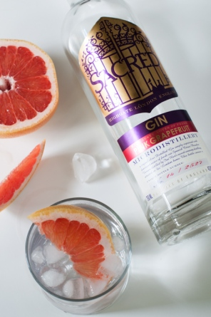 Sacred pink grapefruit - How to make the perfect gin and tonic on mycustardpie.com