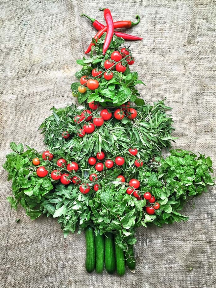 Farmers market haul doubling as table decorations for our Christmas feast. Christmas tree of farmers market produce In my kitchen on mycustardpie