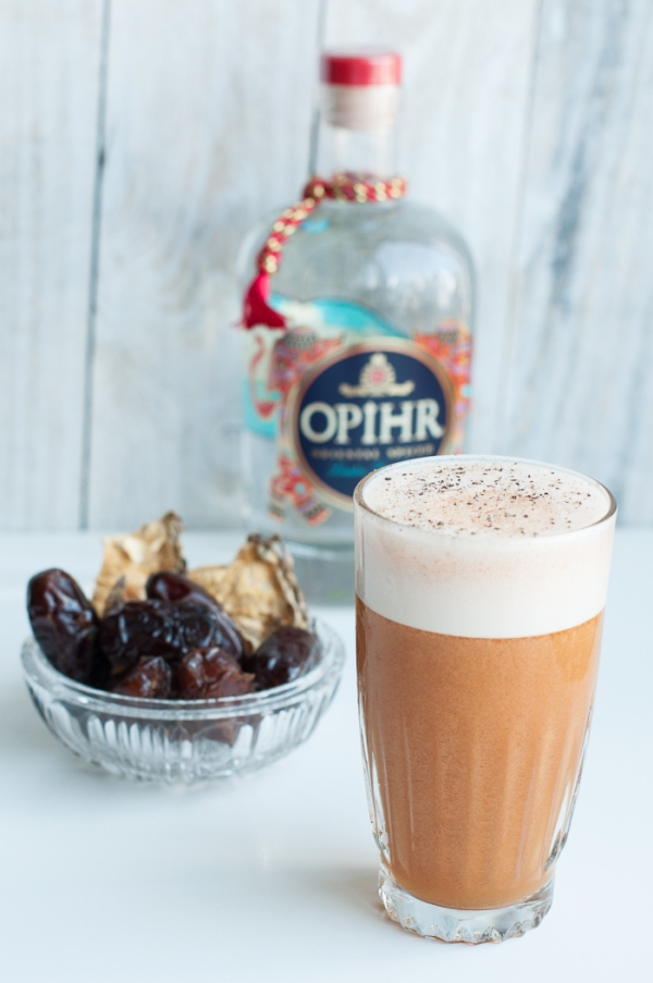 Desert fizz - a cocktail to celebrate the Dubai Desert Classic. Recipe on mycustardpie.com
