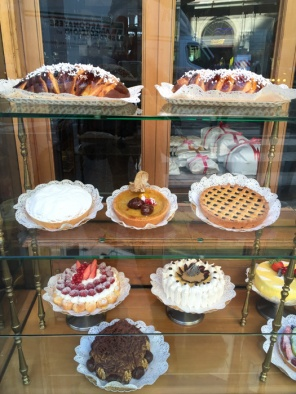 Pasticceria Marchesi. How to have breakfast in Milan