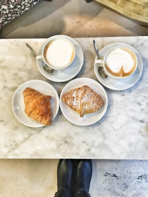 Brioche - a sort of Italian yeasted croissant - in Pave Milano. How to have breakfast in Milan on mycustardpie.com