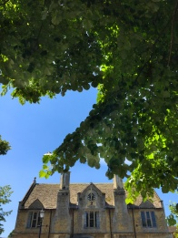 Bourton on the Water in Gloucestershire. Summer days in the UK on mycustardpie.com