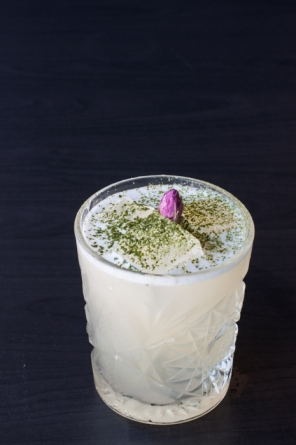 The perfect gin cocktail to sip under the stars - recipe on mycustardpie.com