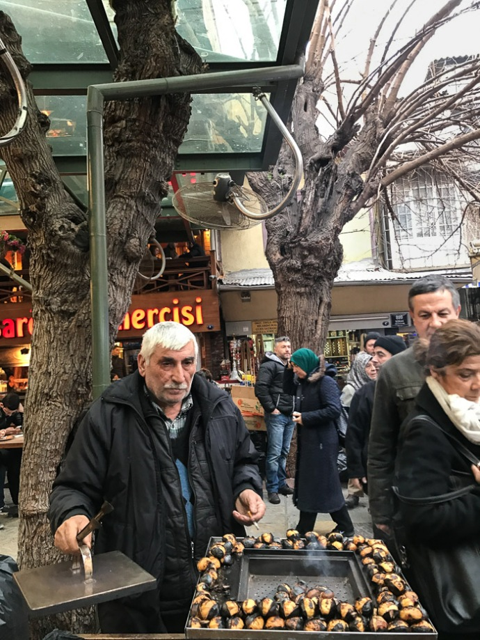 A visit to the Kemeralti Bazaar in Izmir - more info on mycustardpie.com