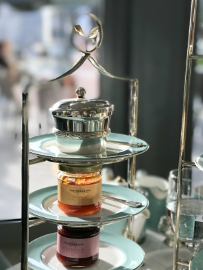 Afternoon tea Fortnum and Mason Dubai