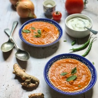 Spicy sweet potato, tomato and turmeric soup {+ some photo tips}