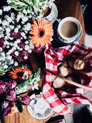 scones and tea