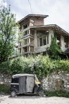 Manali yoga retreat building from the road
