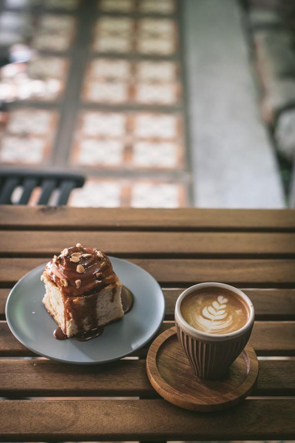 coffe and bun